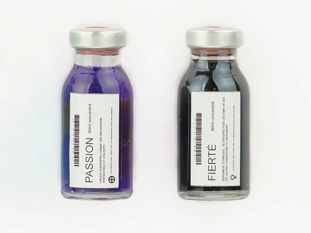 fioles colorants violet noir passion fierté